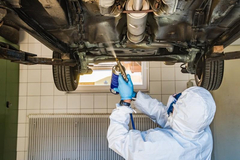 Få sænket din bil ved hjælp af sænkningsfjedre eller en helt ny undervogn